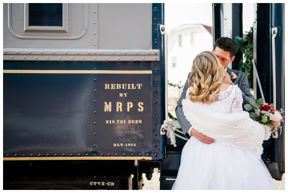 Arlyn & Niky - Train Station Wedding Hartville Ohio - Columbus Ohio Photographer_0041