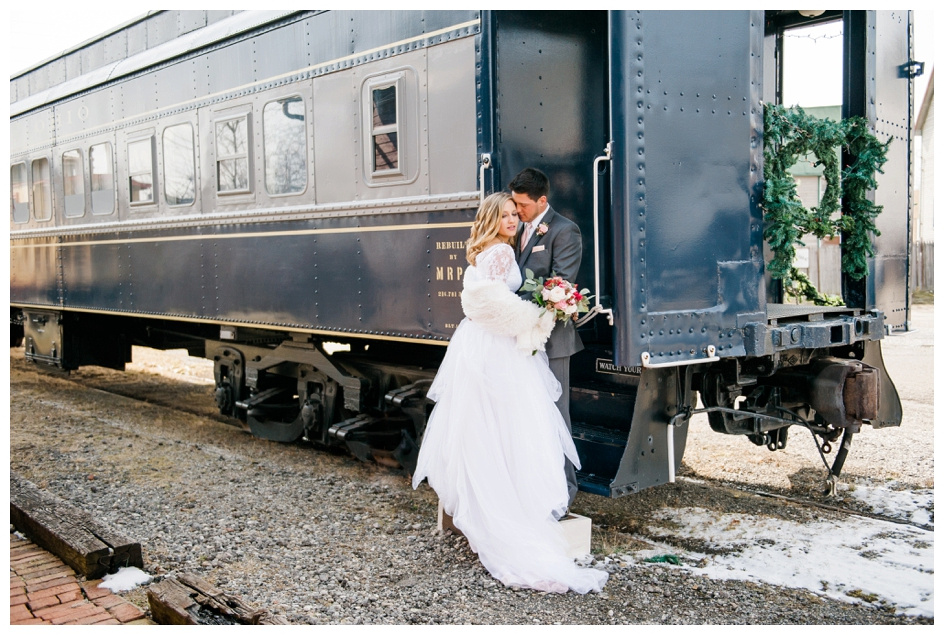 Arlyn & Niky - Train Station Wedding Hartville Ohio - Columbus Ohio Photographer_0039
